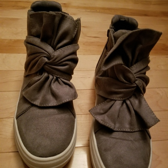 Shoes - Gray fashion  sneakers